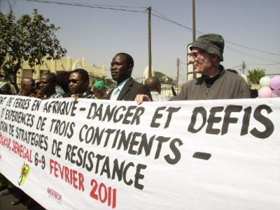 tl_files/aefjn-files/Food sovereignty/Terres/Dkr marche banderole WS.JPG